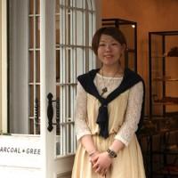 大阪・堀江のアクセサリーショップ「CHARCOAL* GREEN Osaka」店長の向井友香さんにショップインタビュー
