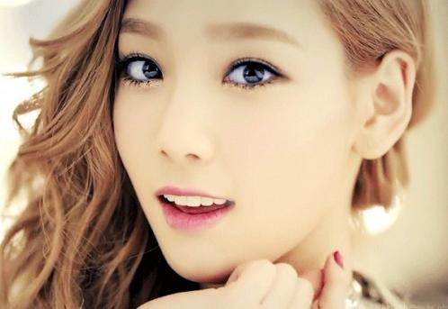 20120511_taeyeon_2-600x413