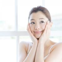 顔ヨガで表情筋に喝っ!顔のむくみを改善して小顔に変身しちゃいましょ♪