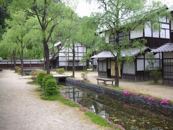 出典:http://find-travel.jp/article/1659/photo?pu=http%3A%2F%2Faccess.moo.jp%2Fmaterial%2Fwp-content%2Fuploads%2F2012%2F01%2FDSCN1560.jpg
