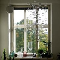 きらめくガラスは幻想的な美しさ。窓際を飾るインテリア【イッタラのアテネの朝】