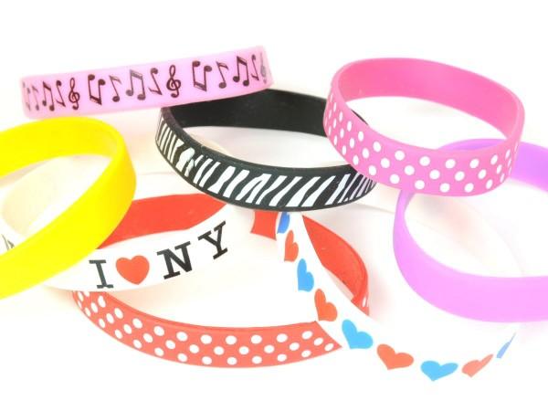 出典:http://item.rakuten.co.jp/forever-world/bracelets/