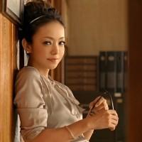 アラサー女性にとって永遠の憧れ☆【安室奈美恵】さんに学ぶロングヘアアレンジ色々♡