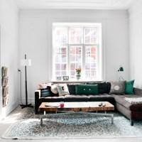 まるでパリのアパートメントの一室みたいでしょ?フレンチシックなお部屋が素敵♡