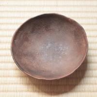 「熊谷幸治さんと土器」インテリアと調和する素朴であたたかみのある土の色、素材感。