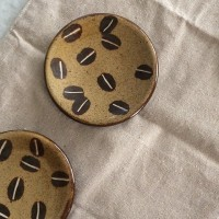 あなたも大好きになる♡工房十鶴で人気のコーヒー豆柄の食器。
