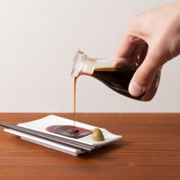 液だれしない感動の醤油差し。食卓の新定番、THEの【THE 醤油差し】