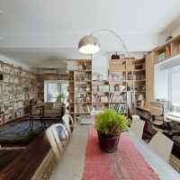 デッドスペースも有効活用!壁面書棚の空間コーディネート☆
