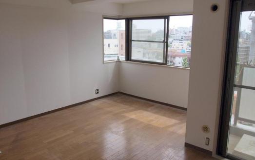 renovation-cat-innerterrace-02-600x328