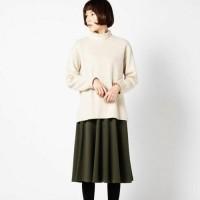 初秋の雰囲気香るこっくりカラーの長めスカートで大人コーデにトライ!