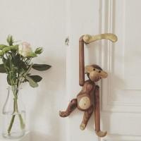 世界一人気のおサルさん。【カイ・ボイスン】のぬくもりある木製玩具「モンキー」の魅力