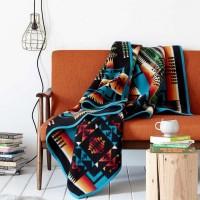 暖かな織り柄がお部屋をほっこりと。【PENDLETON / ペンドルトン】のブランケット使ったインテリア☆