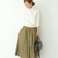 秋の大人可愛いスタイルを、パーカー×スカートで作っちゃお♡