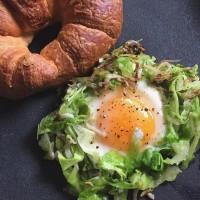 朝食にもオススメ♡インスタグラムで大人気の巣ごもり卵を使ったアレンジレシピ