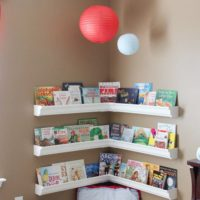 狭くてもおしゃれにできる!海外の家の小さな本棚スペース集☆