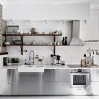 生活感が出てしまいがち!キッチン周りの収納方法をご紹介します。