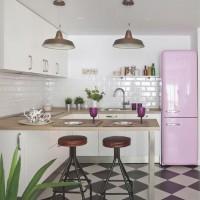 お洒落なキッチンにしっくり馴染むキュートな冷蔵庫「SMEG」のある空間☆