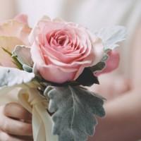 お姫様になった気分♡美しい薔薇の雑貨に囲まれたインテリア