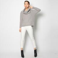 冬も『白』が大活躍!ホワイトパンツで魅せる♡大人女子コーデ大特集
