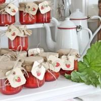 ポップで可愛らしい♡ビンテージな雰囲気漂う赤と白のインテリア