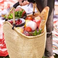 春が来ました♡ぽかぽかお天気の青空の下で、ピクニックスタイルを楽しみませんか♪