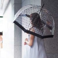 梅雨に負けない!雨の日が楽しくなるオシャレな傘をご紹介します。
