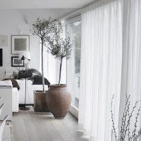 印象ががらっと変わるカーテン♡アレンジで窓際に・部屋の扉の代わりにアクセントを♪
