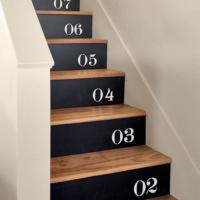 おうちの階段だって自分でDIY♪思わず駆け上がりたくなる素敵なステップに変身させよう♡