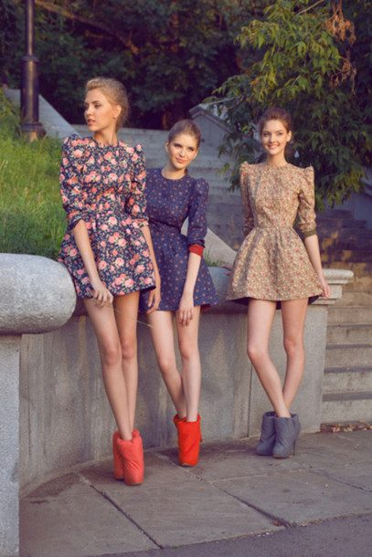 29rl31-l-610x610-dress-floral-model-designer-green-blue-flower-fashion-boots-girls-cute-skater-skater+dress-mid+sleeve