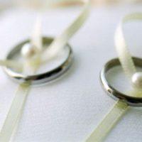 結婚式は一生に一回の記念日だから。手作りのリングピローに想いを込めて。