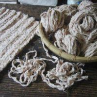 裂いて編む不思議な編み物。不要な布やハギレを使って作る「裂き編み」をご存知?