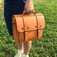 こんなにあるの!?TPOで使い分けるバッグの持ち方、使い方特集
