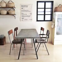 自宅にいながらカフェ気分♡アイアンテーブルでカフェ風スタイルに!