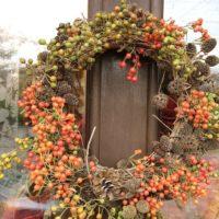 冬こそドアを華やかに♡ドアリースで寒い冬も心潤うような生活を