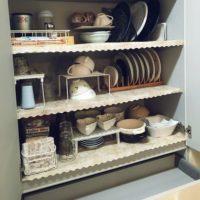 お皿を立てるだけではもったいない!木製ディッシュスタンドの活用法をご紹介