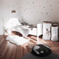 ふわふわの温かさ!ムートンラグで、冬のお部屋におしゃれな温かみを演出しよう♡