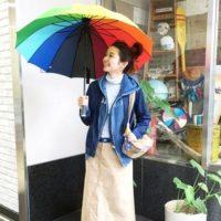 キレイ色の傘なら気分もアップ!冬の雨も楽しくなる傘コーデ集♡