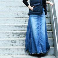 カジュアルの中にエレガントさを☆ロングデニムスカートで作る冬コーデ