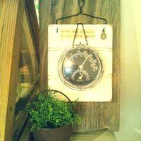乾燥が気になるこの季節!温湿度計でこまめにお部屋の温度と湿度をチェックしよう☆