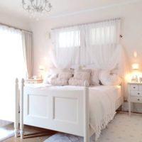 ガーリーテイストのお部屋に♡ローラアシュレイのベッドでロマンチックな夢を♪
