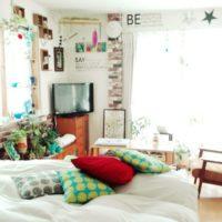 寒い冬におすすめ!暖色クッションでお部屋もあたたかな雰囲気に