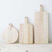 並べるだけでおしゃれな雰囲気に!木製カッティングボードで食卓を素敵に演出