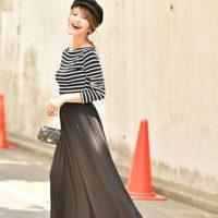 パンツスタイルの多い人におすすめ!フレアロングスカートで女性の魅力を♡