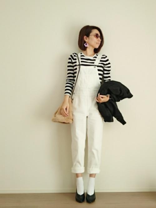 ◆オーガニックコットンクルーネック長袖Tシャツ \1,000(税込)  肌ざわり抜群のオーガニックコットンのボーダーTが1,000円で手に入るのが無印良品の良さ!ヘビロテ間違いなしの優秀な1枚です。ホワイトのオーバーオールはGU。白いパンツはマリンスタイルには欠かせませんが、汚れやすいのでファストファッションブランドのものなら安心♪