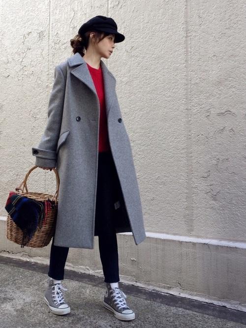 ◆WOMEN コットンカシミヤケーブルセーター ¥2,990(税別)  肌触りのいいコットンカシミヤのケーブルセーター。鮮やかな赤のニットを差し色にして、ロング丈のダブルプレスコートをさっそうと羽織ったメンズライクなスタイル。ニットはカシミヤ混なのに、この価格!まさにプレミアムプライスのアイテムです♪