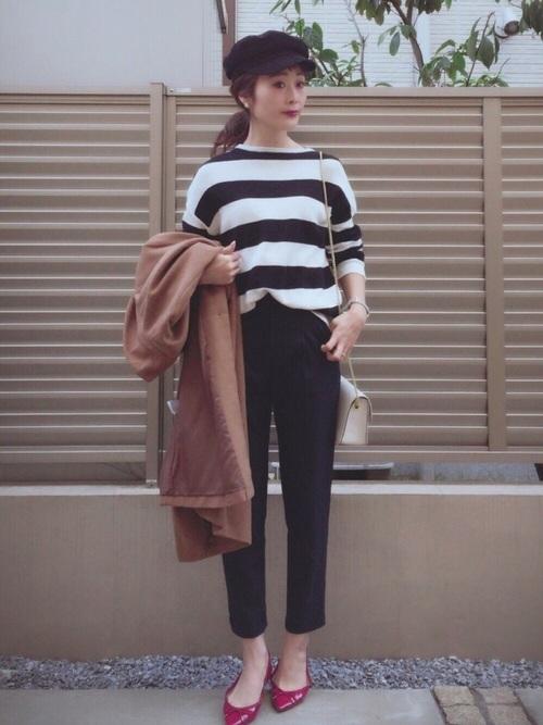 ◆ポインテッドバレエシューズ ¥1,490(税別)  今季トレンドのポインテッドトゥのバレエシューズがGUのもの。細身のアンクル丈パンツに合わせて履くとバランスよく決まります♪赤いシューズはマリンスタイルの定番。差し色にもなって、バレエシューズを選べばきれいめのコーディネートに仕上がります♡