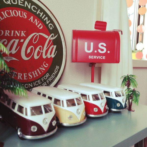 アメリカン雑貨と一緒に飾っておしゃれに♪色違いが並んで可愛いですよね♡