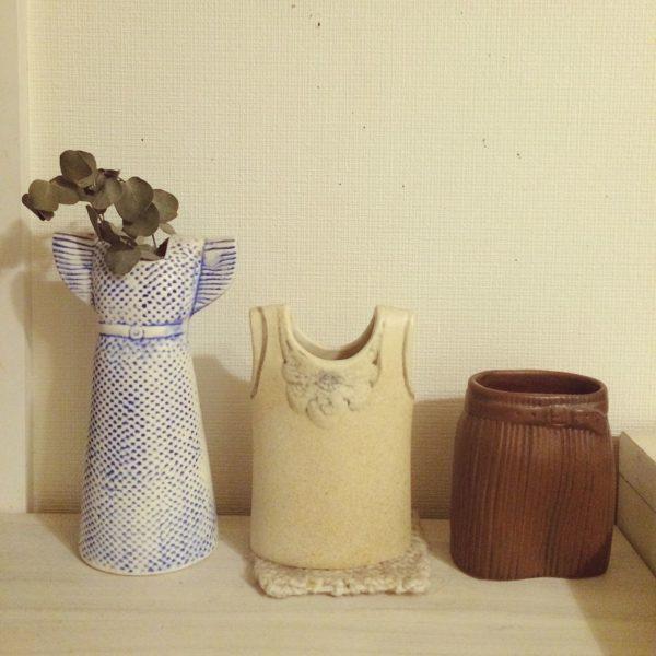 リサラーソンのもう1つの名作がこの「ワードローブシリーズ」。一見置物にも見えますが、これらはなんと花瓶なんです。