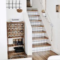 階段の蹴込み板をDIY!階段をオシャレ空間にリメイクしませんか♪
