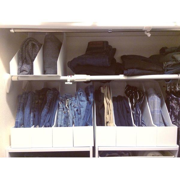 ニトリのファイルスタンドが、洋服の収納に大活躍中です!洋服も縦入れができるようになって、出し入れがとってもしやすそう♪